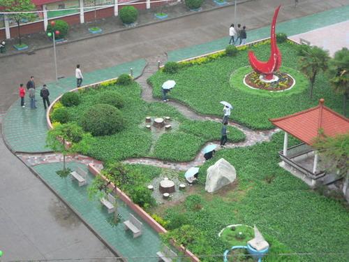 南阳工业学校校园环境
